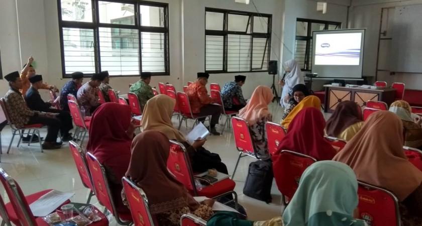 Pelatihan GA Internal Bayt Al Hikmah. Menentukan Kompetensi Dasar, Indikator, dan Model-Model Pembel