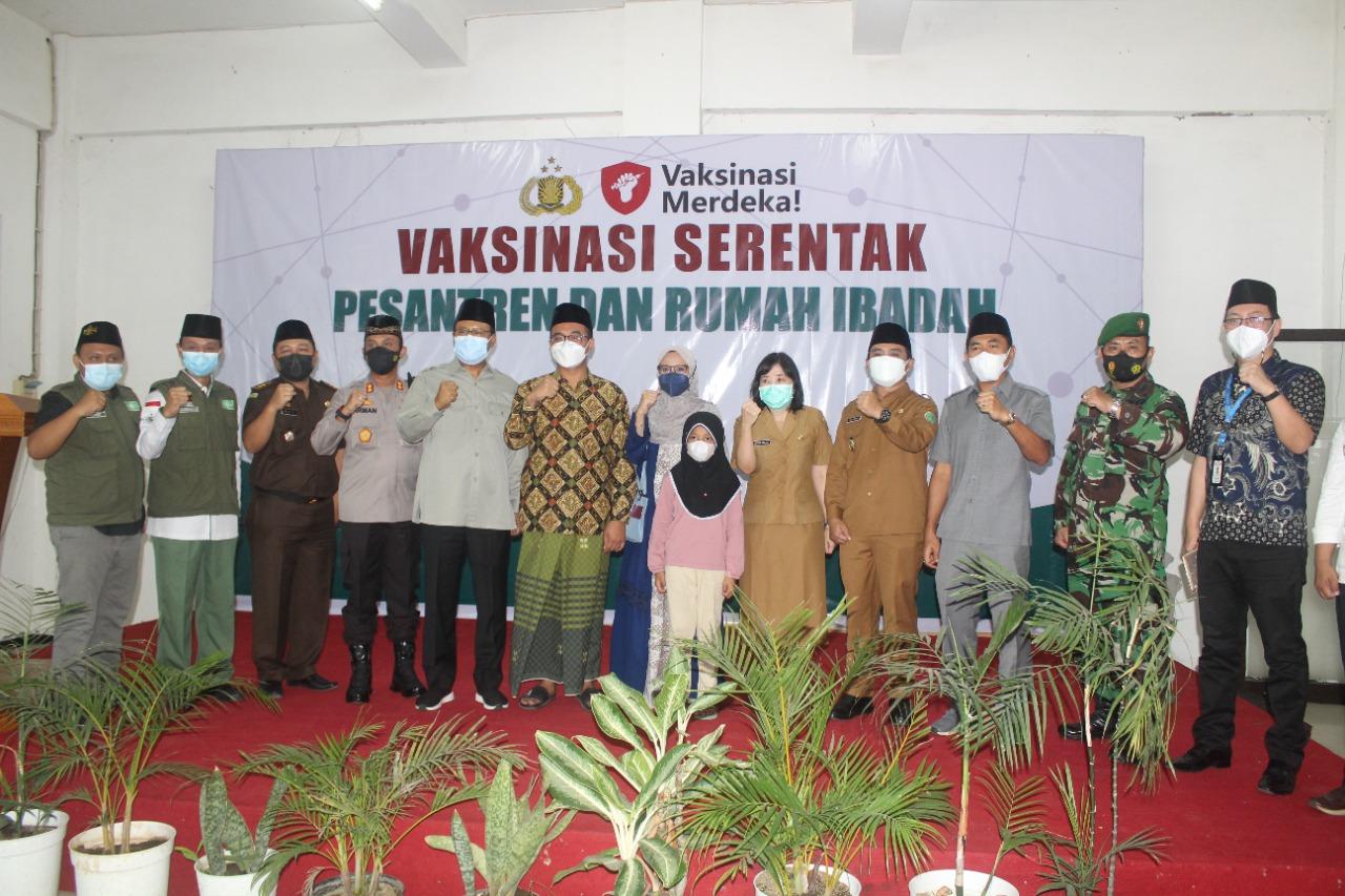 Vaksinasi Serentak Pesantren dan Rumah Ibadah PP Bayt Al-Hikmah Kota Pasuruan